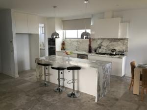 mornington_peninsula_kitchen-1